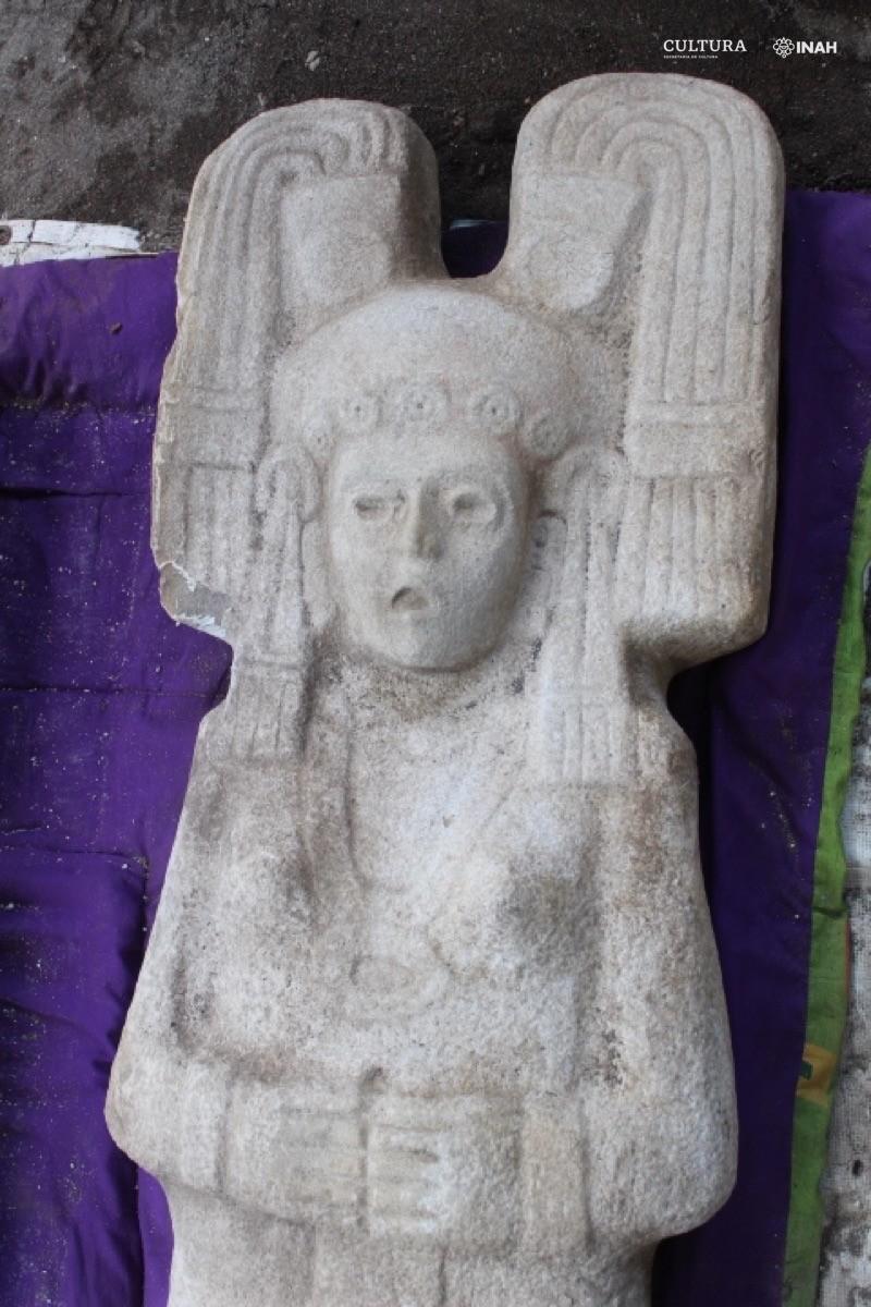 Ante los ojos abiertos y desnudos de la escultura probablemente se llenaron de piedras (Foto: Maria Eugenia Maldonado White)