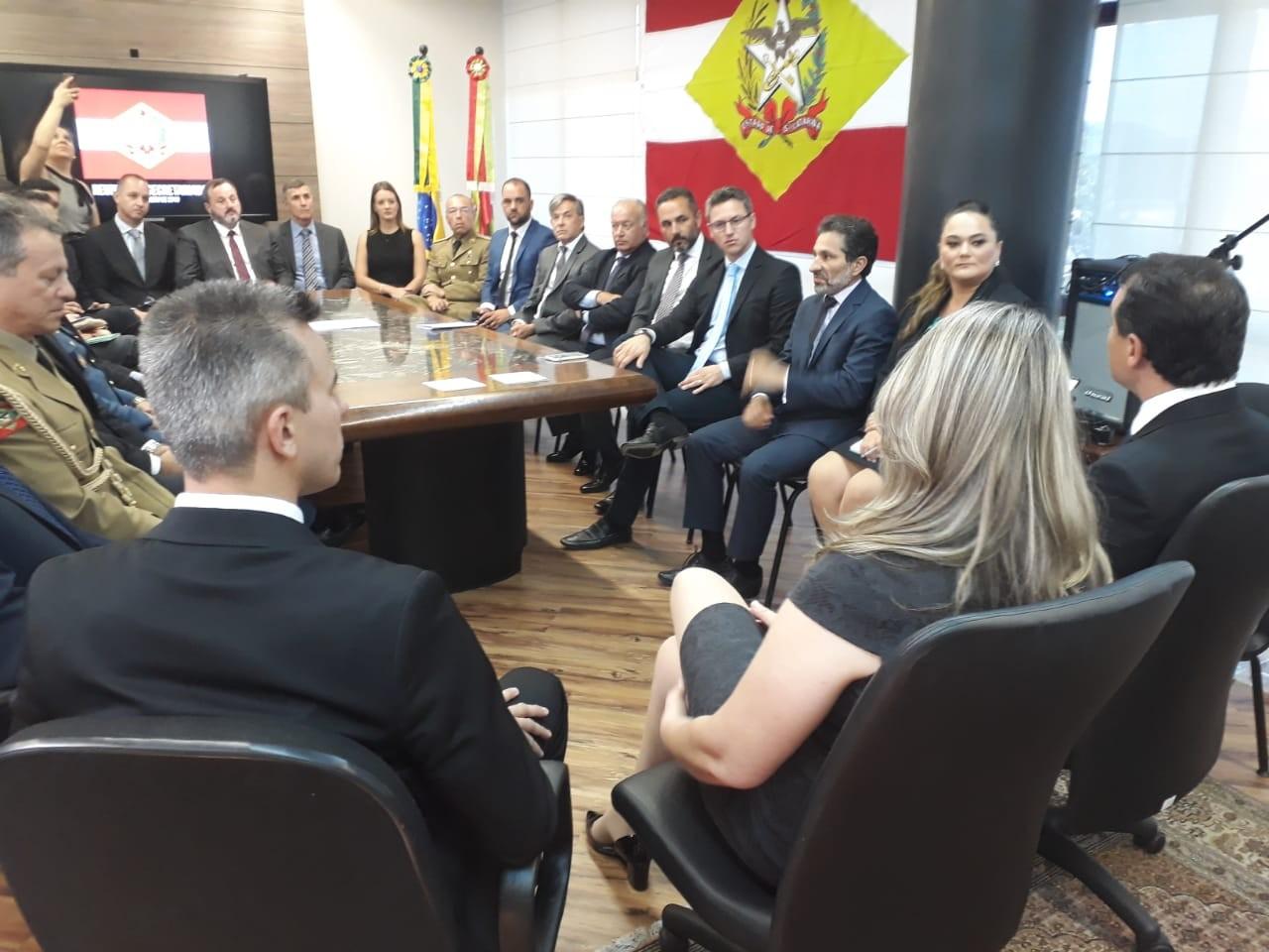 Secretários do governo Carlos Moisés tomam posse em SC