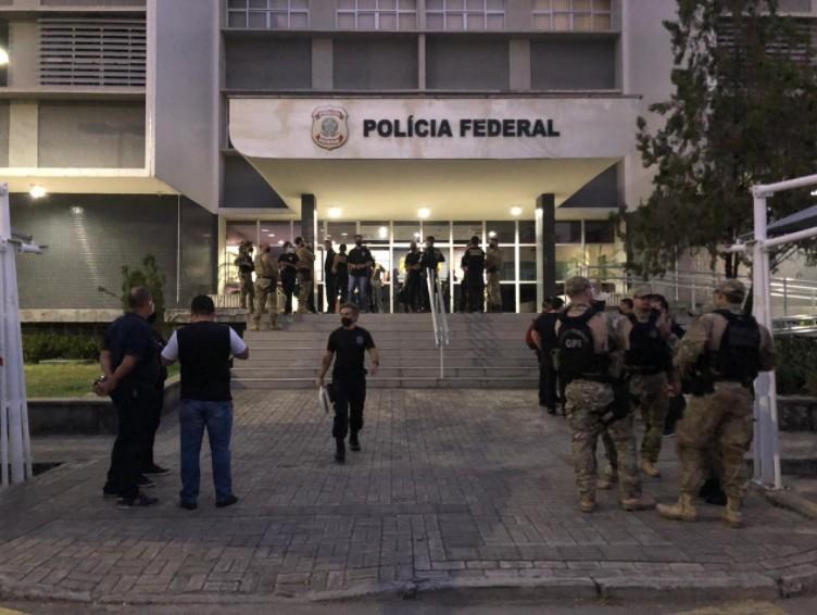 Ex-secretário, servidores e empresários do Ceará são alvos de operação da PF contra esquema ilegal de crédito consignado