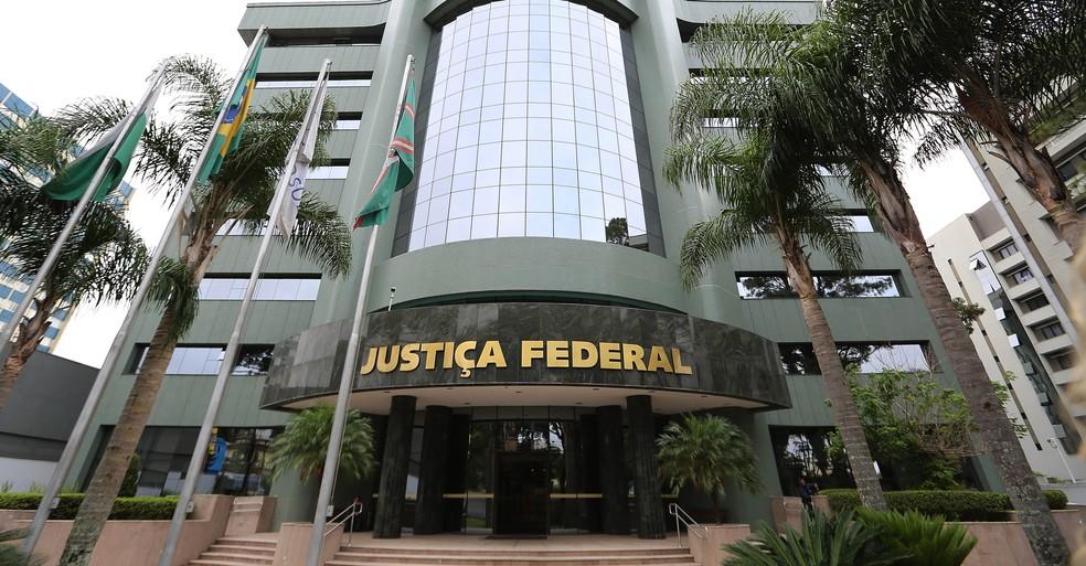 Justiça Federal aceitou a denúncia do MPF e tornou réus o ex-presidente da Jurong no Brasil, Martin Cheah Kok Choon e o operador financeiro Guilherme Esteves — Foto: Giuliano Gomes/PR Press