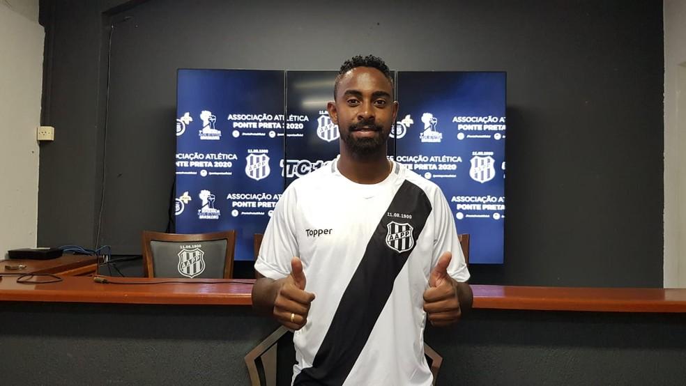 Wellington Carvalho foi para a Ponte Preta — Foto: Thiago Toledo/ PontePress