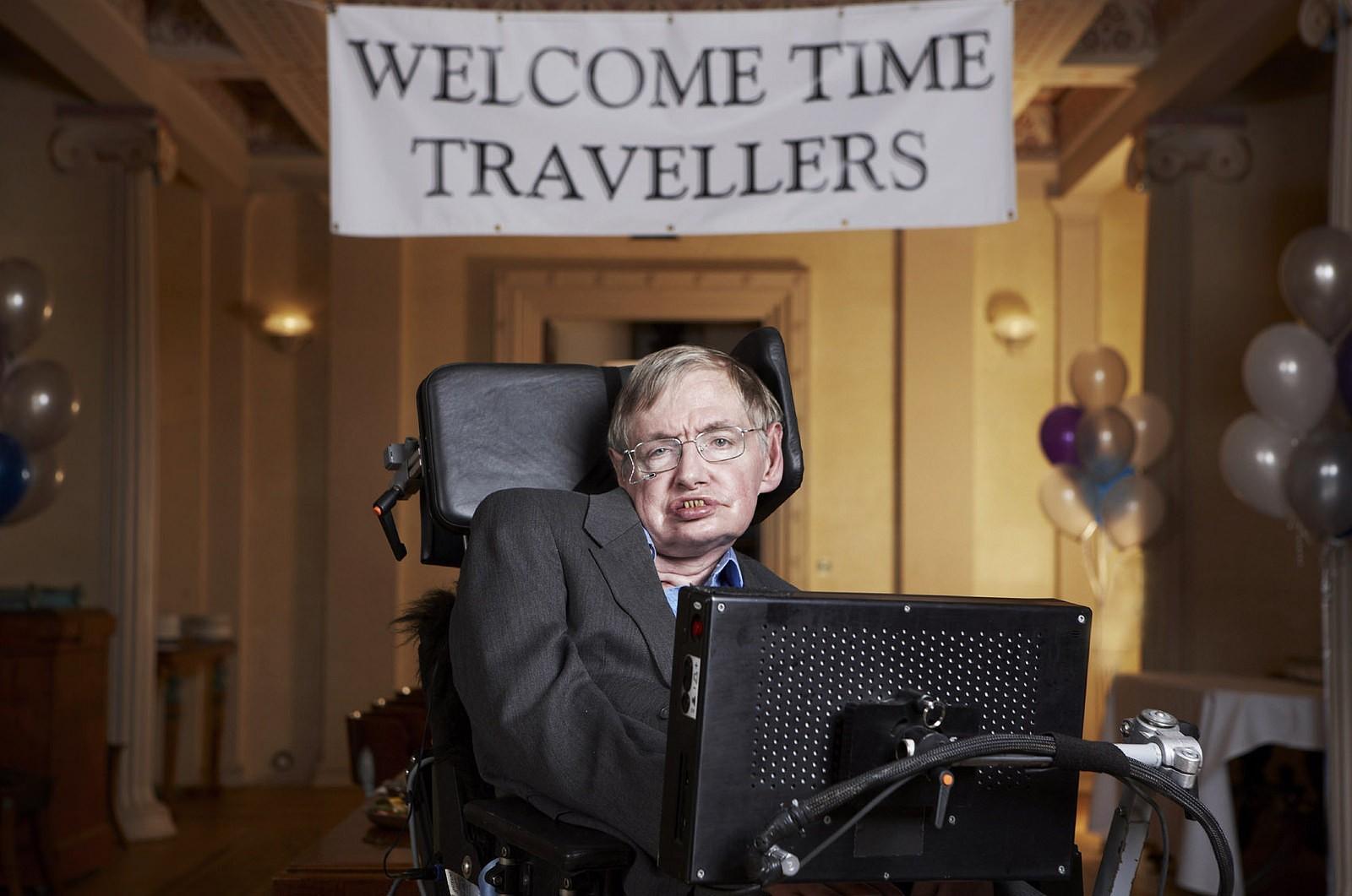 Nos últimos anos, as viagens no tempo passaram a ser um tema recorrente na fala e no trabalho de Hawking (Foto: Flickr/Lwp Kommunikáció)