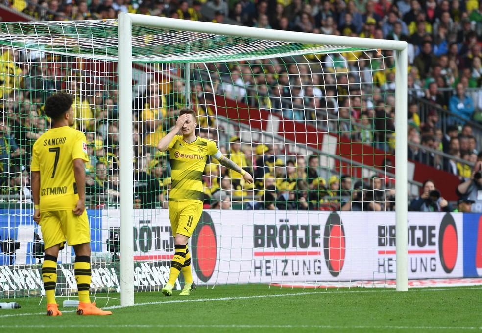 Marco Reus e Jadon Sancho lamentam empate com o Werder Bremen  (Foto: EFE)