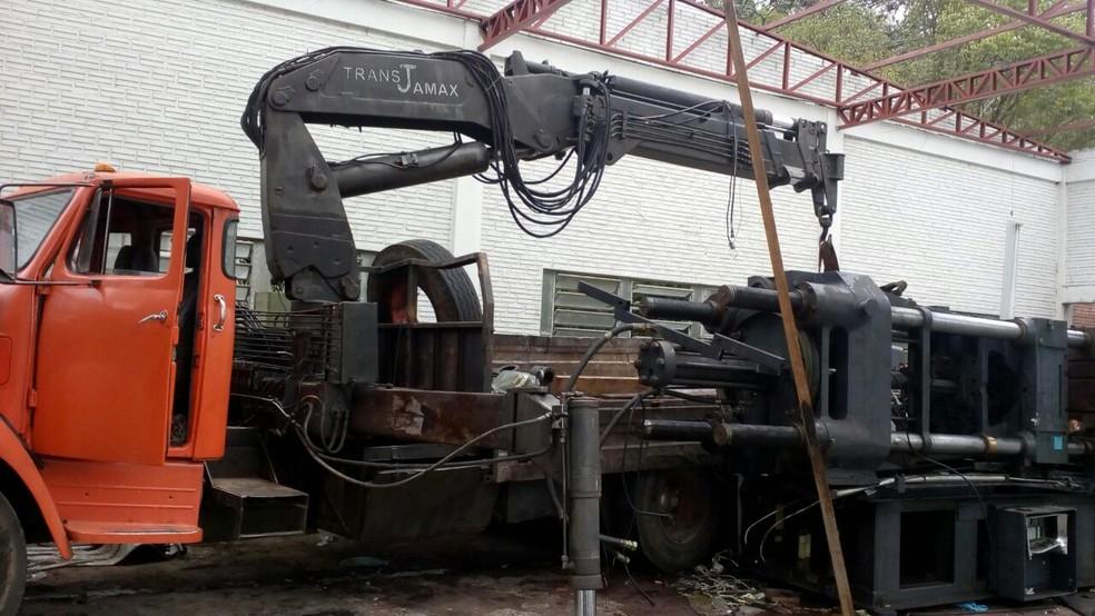 Caminhão que era usado no roubo (Foto: BM/Divulgação)