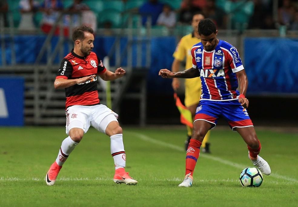 Matheus Reis não conseguiu convencer com a camisa tricolor (Foto: Felipe Oliveira / Divulgação / E.C. Bahia)