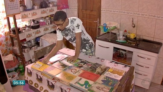 Adolescente que está construindo uma biblioteca é finalista do prêmio