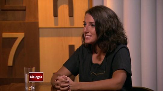 """""""Empoderamento pessoal"""", diz Clarice Falcão sobre novo CD"""