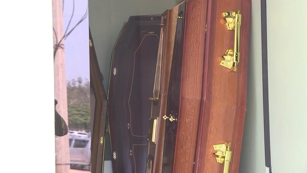 'Máfia das funerárias' no DF usava emoção de parentes para elevar valor do golpe; ouça áudios