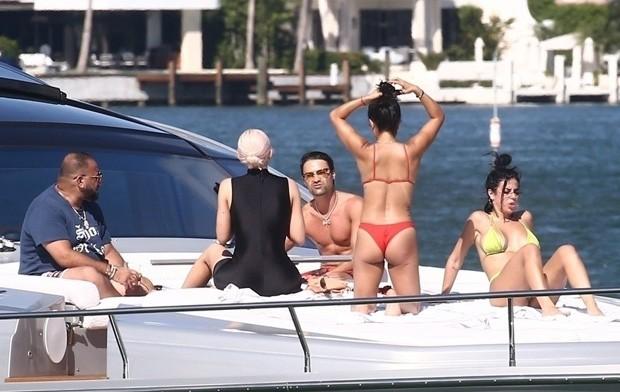 Kylie Jenner e amigos (Foto: BackGrid)