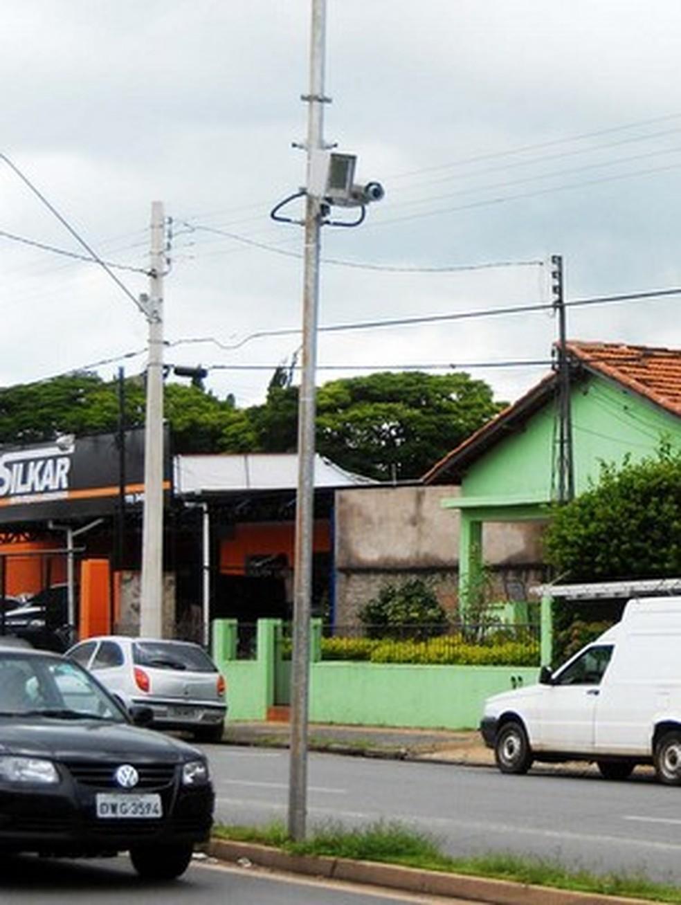 Radares instalado em vi de Limeira: contratos cancelados pela prefeitura — Foto: Wagner Morente/Prefeitura de Limeira