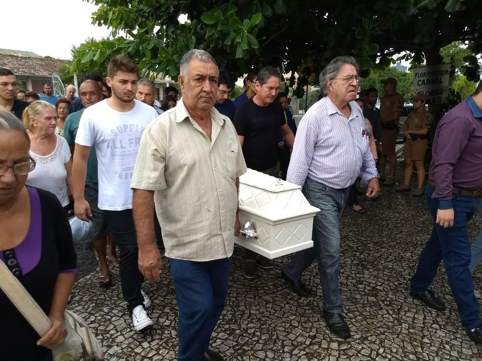 Youtuber foi enterrada em Paranaguá no litoral do Paraná (Foto: Augusto Klein/ RPC Curitiba)