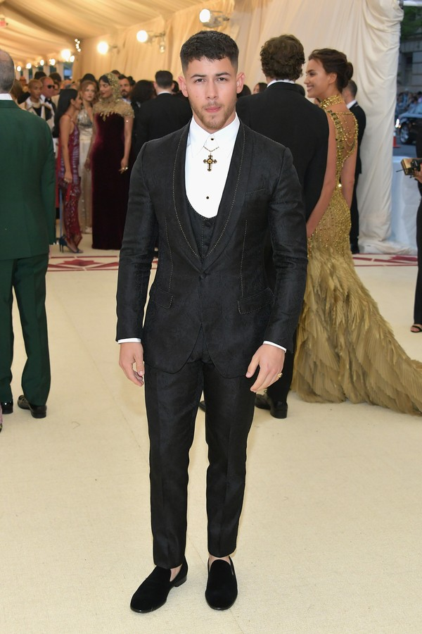 Nick Jonas de Dolce&Gabbana (Foto: Getty Images)