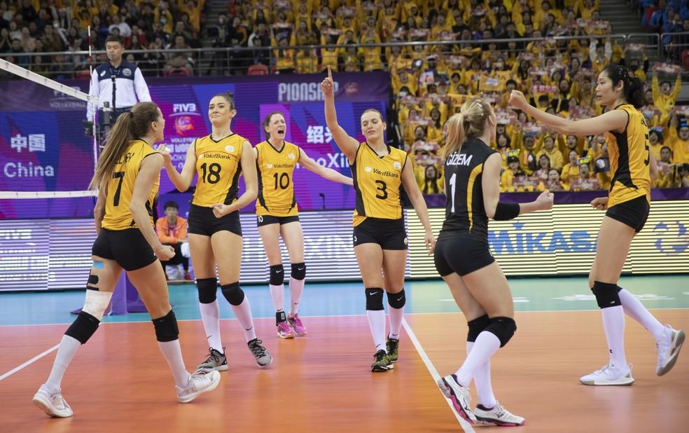 Istambul conquistou o tricampeonato mundial, o segundo de forma consecutiva  — Foto: Divulgação FIVB