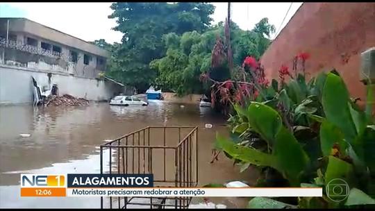Chuva forte causa transtornos e complica trânsito no Grande Recife