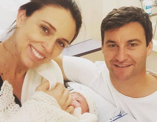 Jacinda deu à luz a uma menina em junho (Foto: Reprodução Facebook)