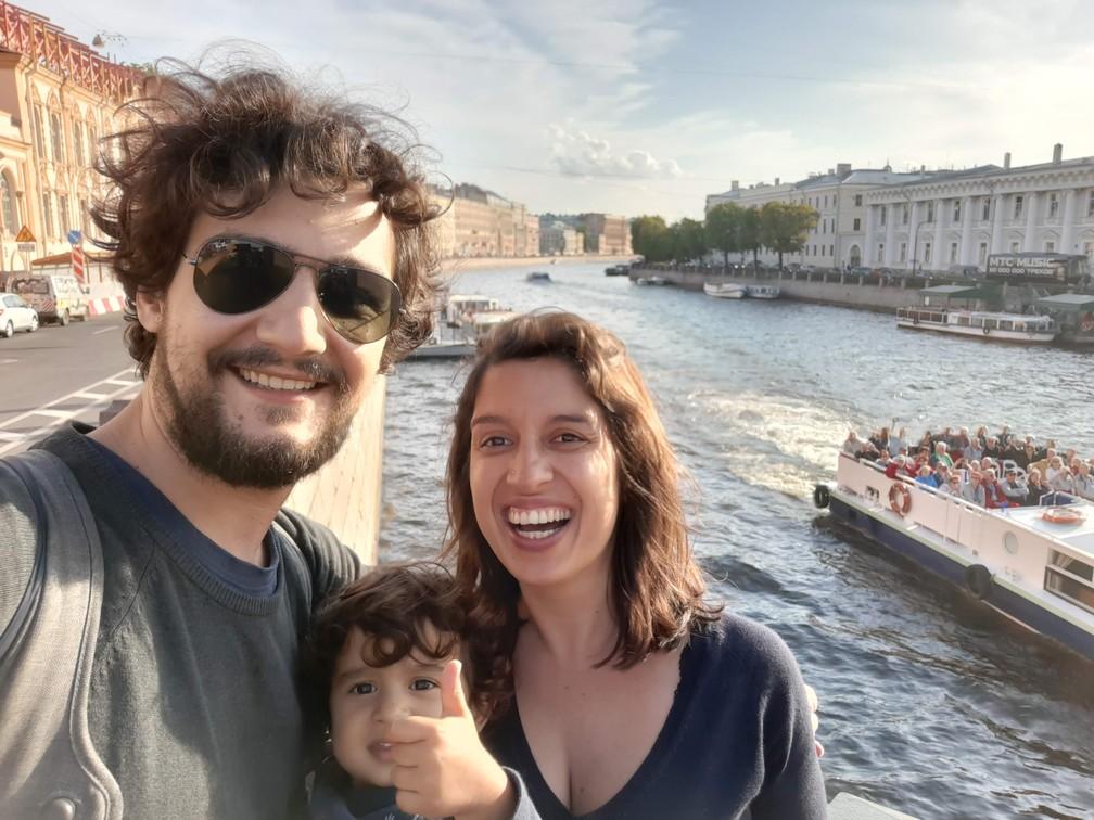 Gabriela, Olívia e João na Rússia. — Foto: Arquivo pessoal/Gabriela Antunes