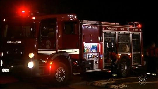 Incêndio destrói parte de fábrica de sorvetes e queima frota de caminhões