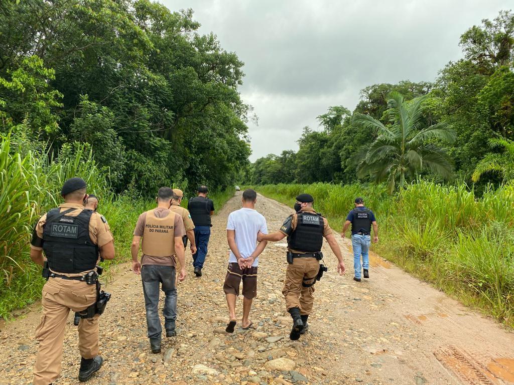 Irmãos que roubaram e agrediram idoso em Cananéia são presos pela Polícia Militar no Paraná