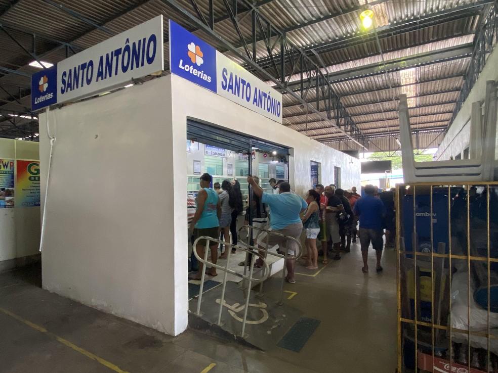 Apostador vencedor da Mega da Virada em 2019 apostou em loteria em feira do bairro Santo Antônio, em Manaus. — Foto: Patrick Marques/G1 AM