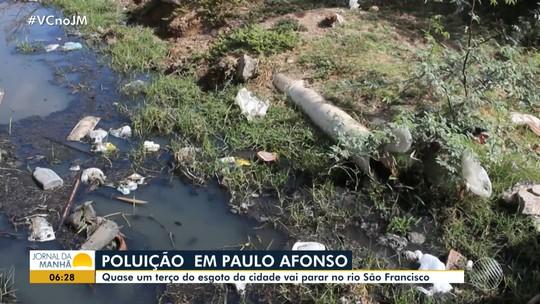 Moradores de cidade do norte da Bahia denunciam esgoto despejado no Rio São Francisco: 'Mau cheiro'