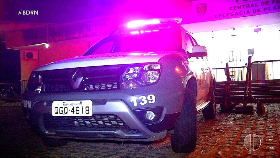 Três veículos roubados foram recuperados pela Polícia Militar na noite de segunda-feira (2), em Natal — Foto: Reprodução