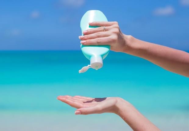Pesquisa mostra que a forma como o protetor é aplicado tem papel importante na sua eficiência. (Foto: Foto: Divulgação)