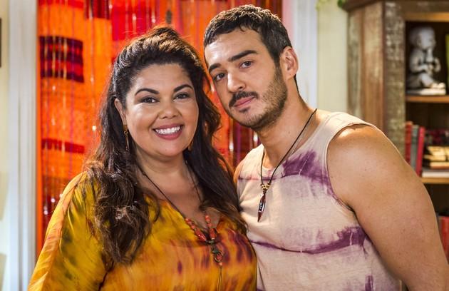 Madá (Fabiana Karla) e Álamo (Marcos Veras) ficarão juntos e passarão um fim de semana romântico em Mauá (Foto: TV Globo)
