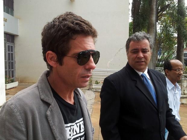Cantor sertanejo Hudson comparece a audiência no Fórum de Limeira em processo sobre acidente de trânsito (Foto: Fernanda Zanetti/G1)