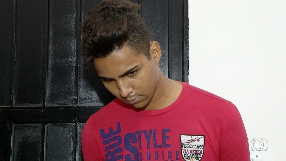 Suspeito foi preso pela morte de técnico de futebol (Foto: Reprodução/TV Anhanguera)