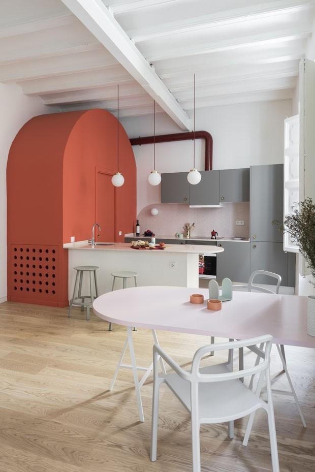 10 ambientes com o Living Coral, cor de 2019 (Foto: Pinterest)