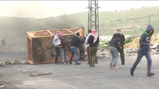 Milhares de palestinos protestam na fronteira entre Israel e a Faixa de Gaza