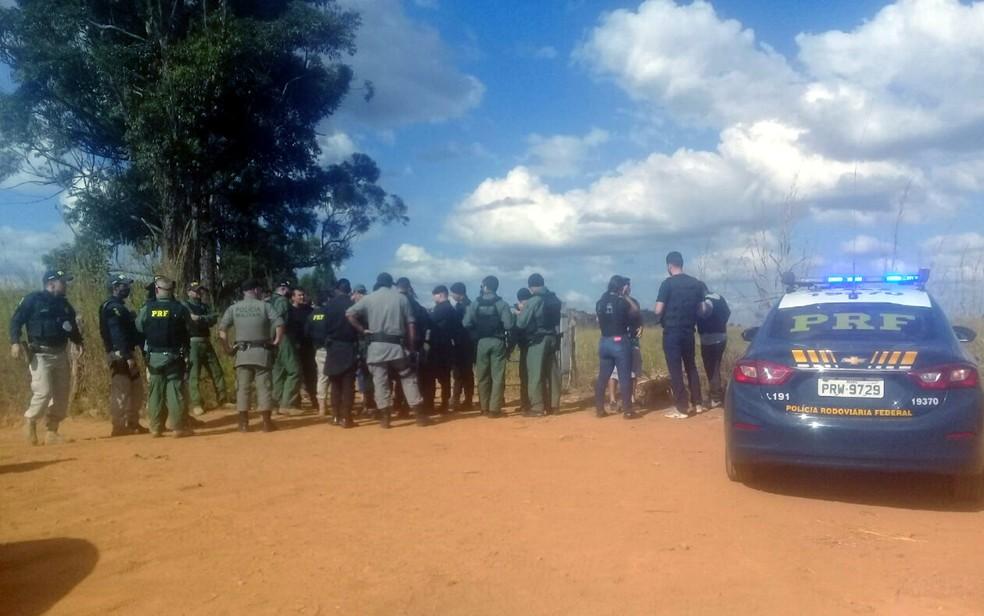 Forças policiais estão em Cocalzinho de Goiás em busca de suspeito de matar família no DF — Foto: Reprodução/Polícia Civil