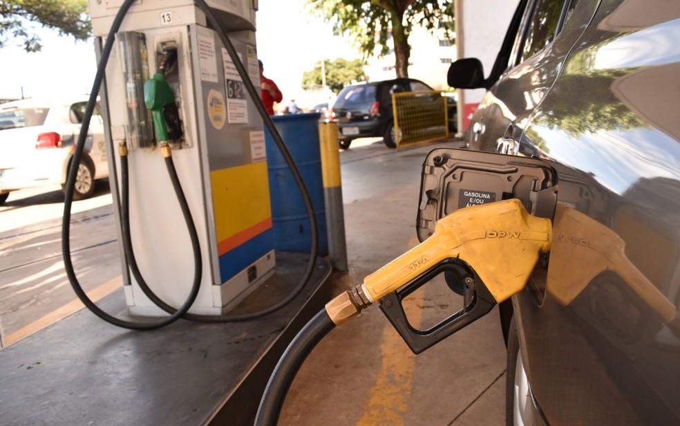 Postos de combustíveis voltar a ser reabastecidos em Goiânia, Goiás (Foto: Murillo Velasco/G1)