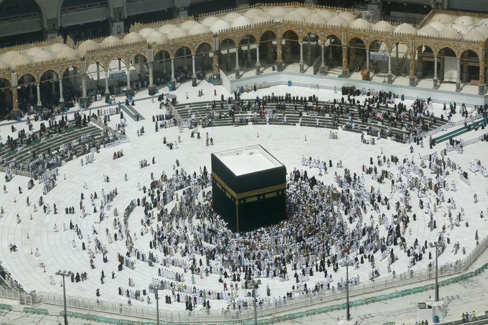 Meca, cidade na Arábia Saudita considerada sagrada para os muçulmanos — Foto: Amr Nabil/AP