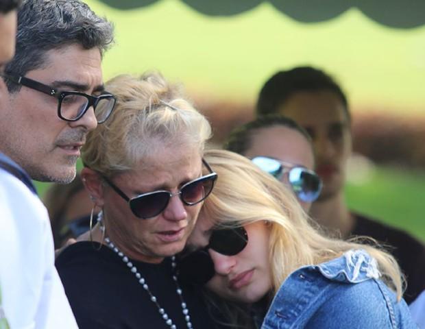 Junno, Xuxa e Sasha (Foto: Daniel Pinheiro/AgNews)