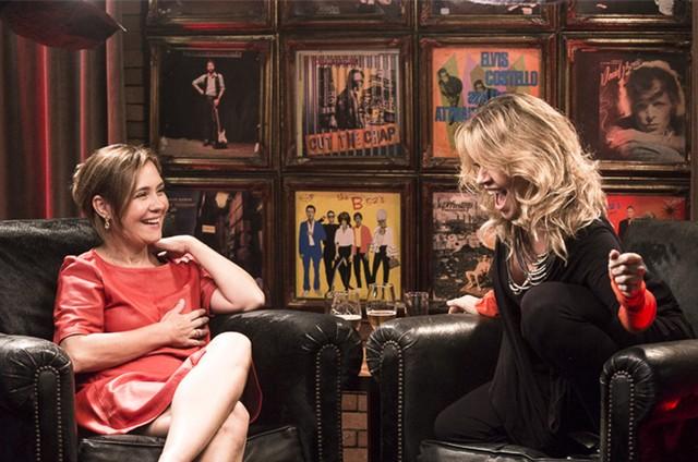 Adriana Esteves será a primeira entrevistada de Naná Karabachian no programa que ela vai lançar no YouTube no próximo dia 12 (Foto: Divulgação)
