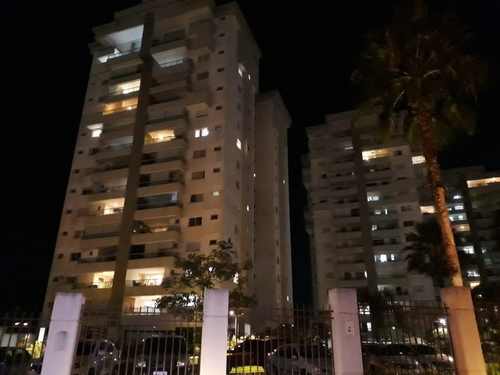 Moradores de condomínio em Porto Velho relatam ter sentido tremores. (Foto: Pedro Bentes/G1)