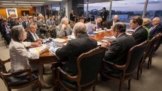 Os ministros do STF na sessão administrativa que decidiu pelo aumento (Foto: Nelson Jr. / SCO - STF via BBC)