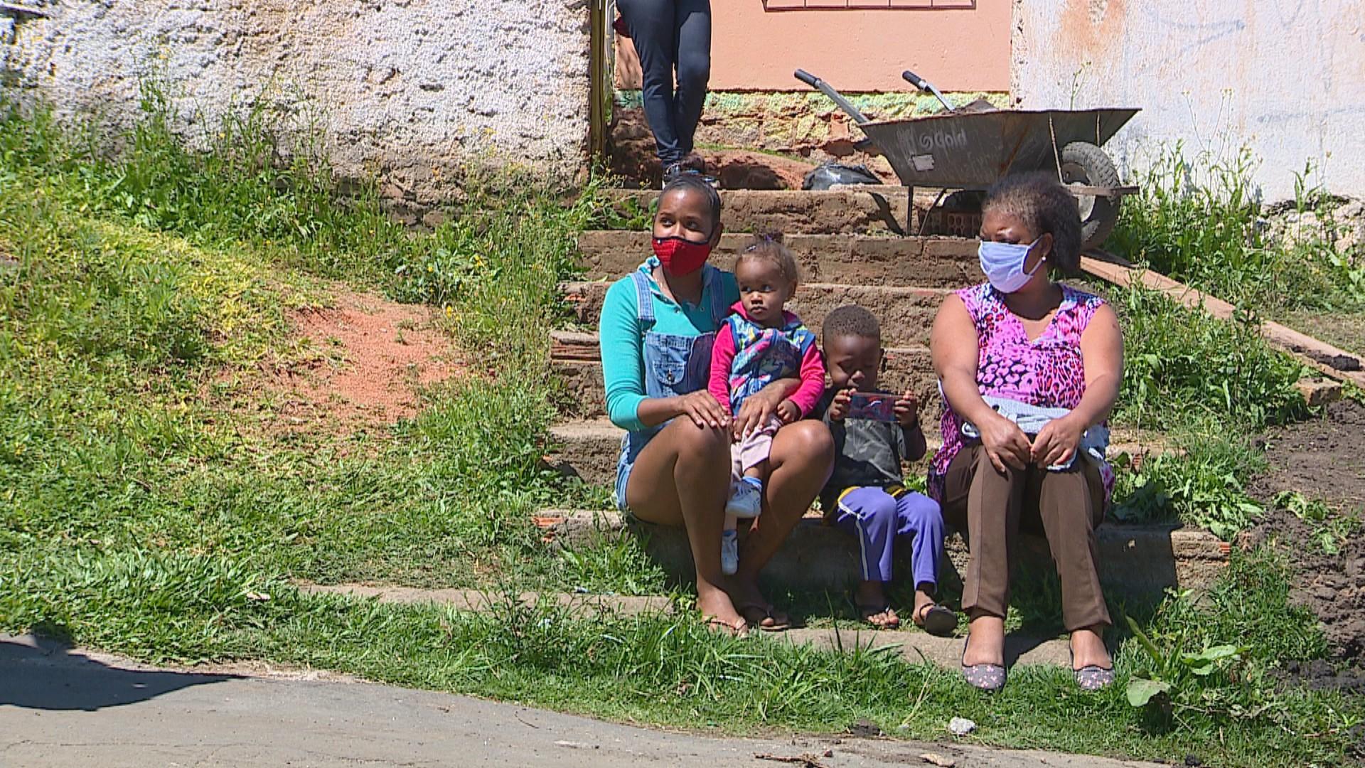 'Eu nem sei o que é carne': Entregas de cestas básicas aumentam 10 vezes em dois anos em Porto Alegre