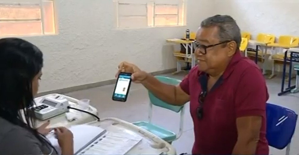 Eleitores poderão utilizar título de eleitor digital — Foto: Reprodução/TV Anhanguera