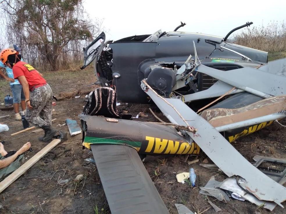 Queda de helicóptero ocorreu quando equipes combatiam incêndios no Pantanal de MT — Foto: Força Nacional/Divulgação