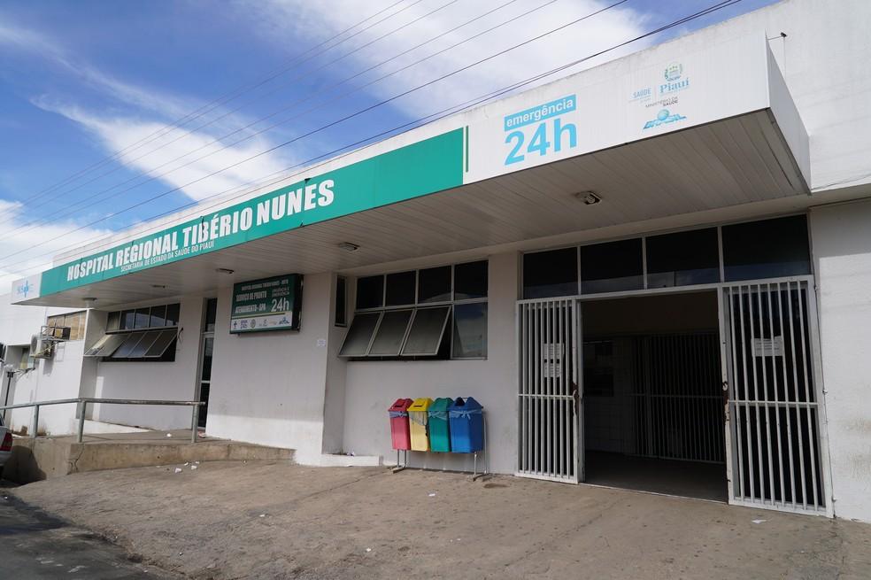 Homem identificado como Domingos faleceu no Hospital Regional Tibério Nunes, em Floriano — Foto: Ascom/Sesapi