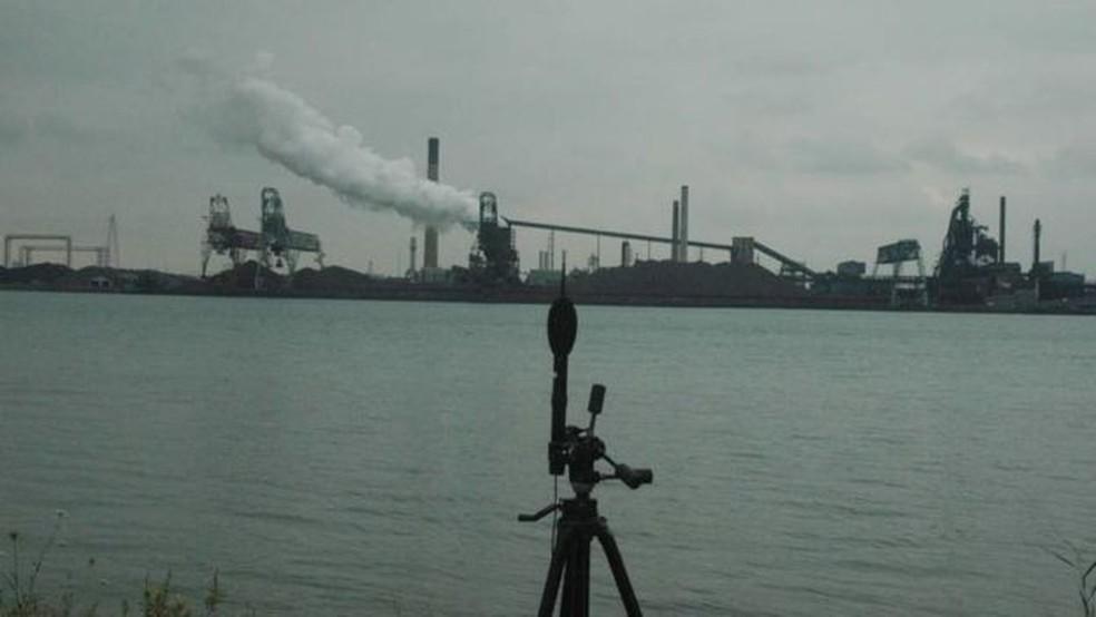 Especialistas têm usado equipamentos para tentar medir o ruído (Foto: Universidade de Windsor/BBC )