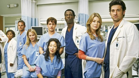 Grey's Anatomy chega ao Globoplay em setembro; veja antes e depois do elenco