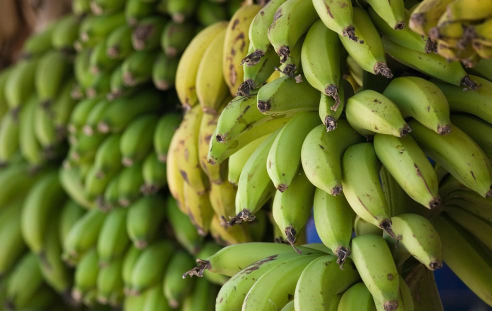 Uma banana equivale a quantidade de carboidrato de um gel (Foto: Getty Images)