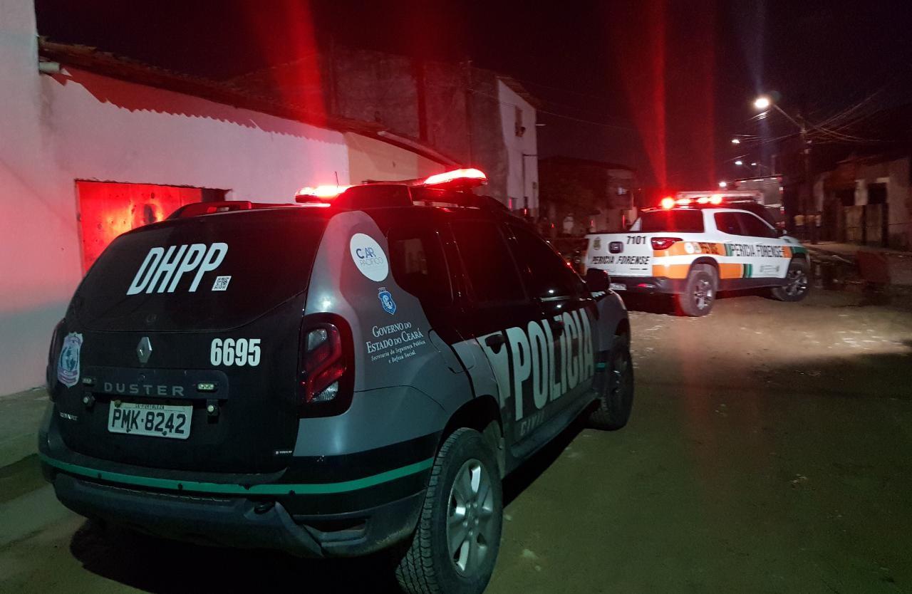 Homem é assassinado a tiros ao chegar na casa de familiares em Fortaleza