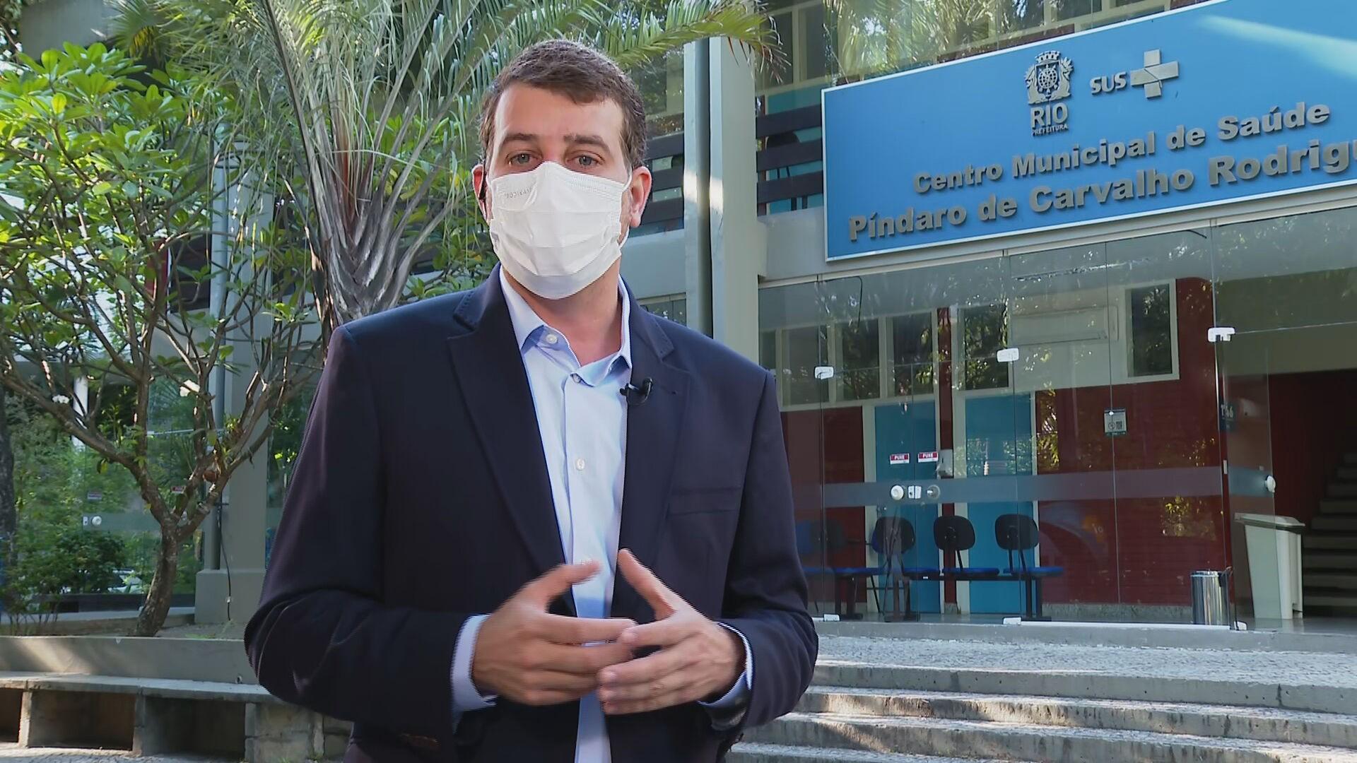 Rio mantém vacinação suspensa e secretário diz que Ministério da Saúde não deu 'qualquer previsão de entrega'