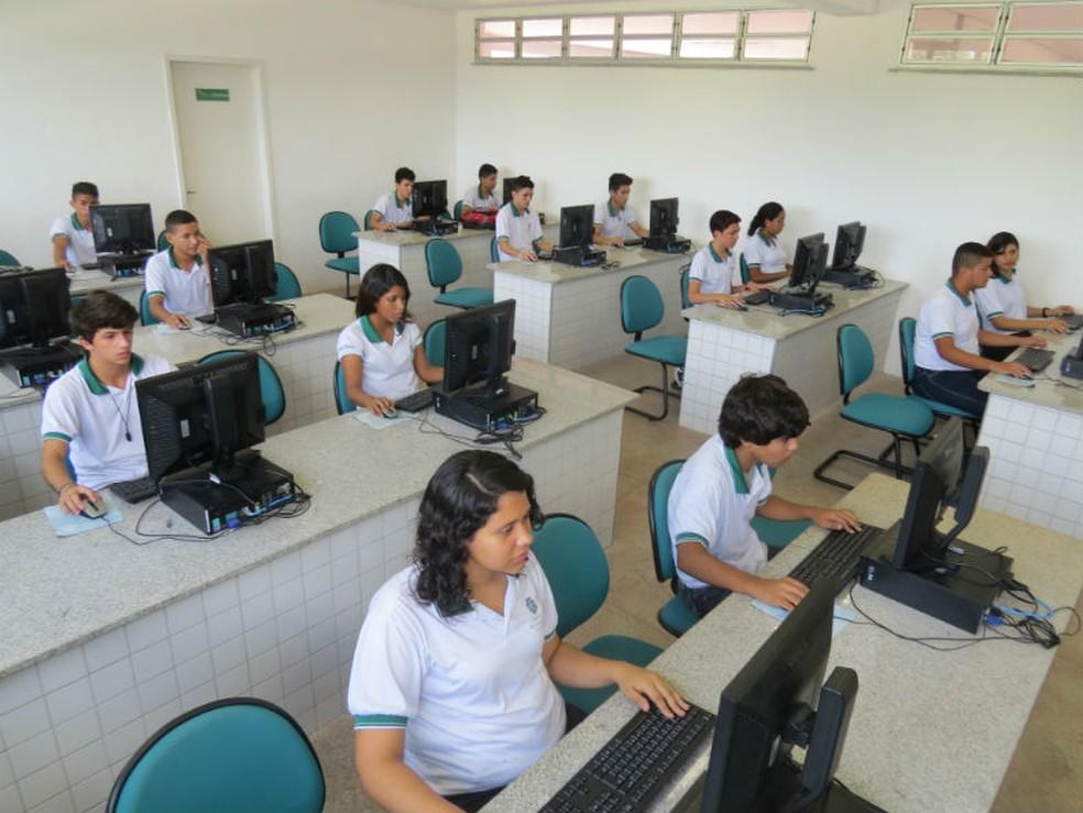 Concurso para professor no Ceará tem 2,5 mil vagas e salários de até R$ 3,5 mil (Foto: Governo do Estado/Divulgação)