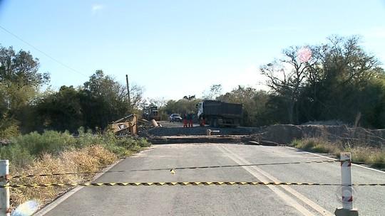 Moradores de Restinga Seca e Formigueiro aguardam termino de obra em rodovia