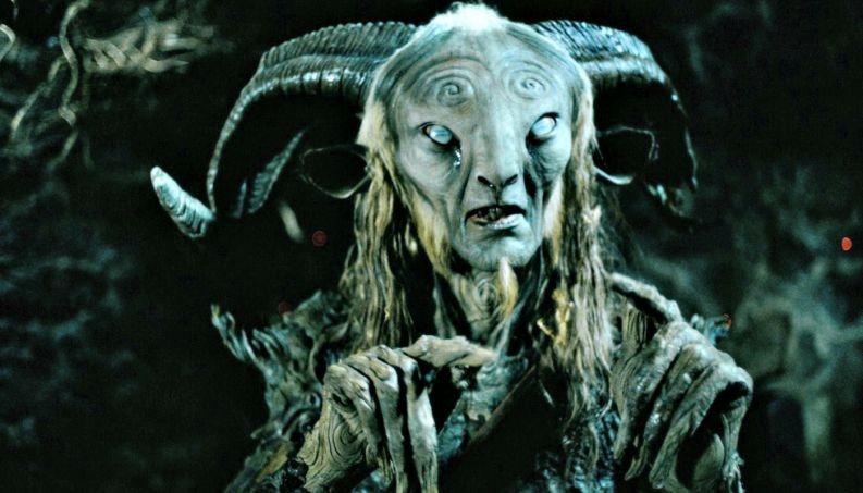 O diretor Guillermo del Toro já provou seu talento para o gênero em diversos filmes, entre eles, o aclamado O Labirinto do Fauno (Foto: Divulgação)